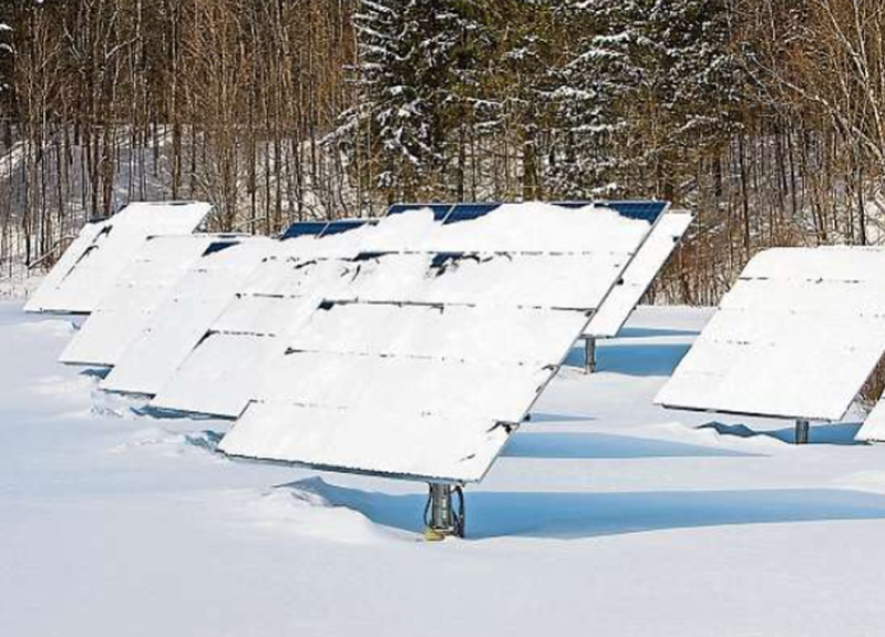 Solarpanels-im-Winter.png