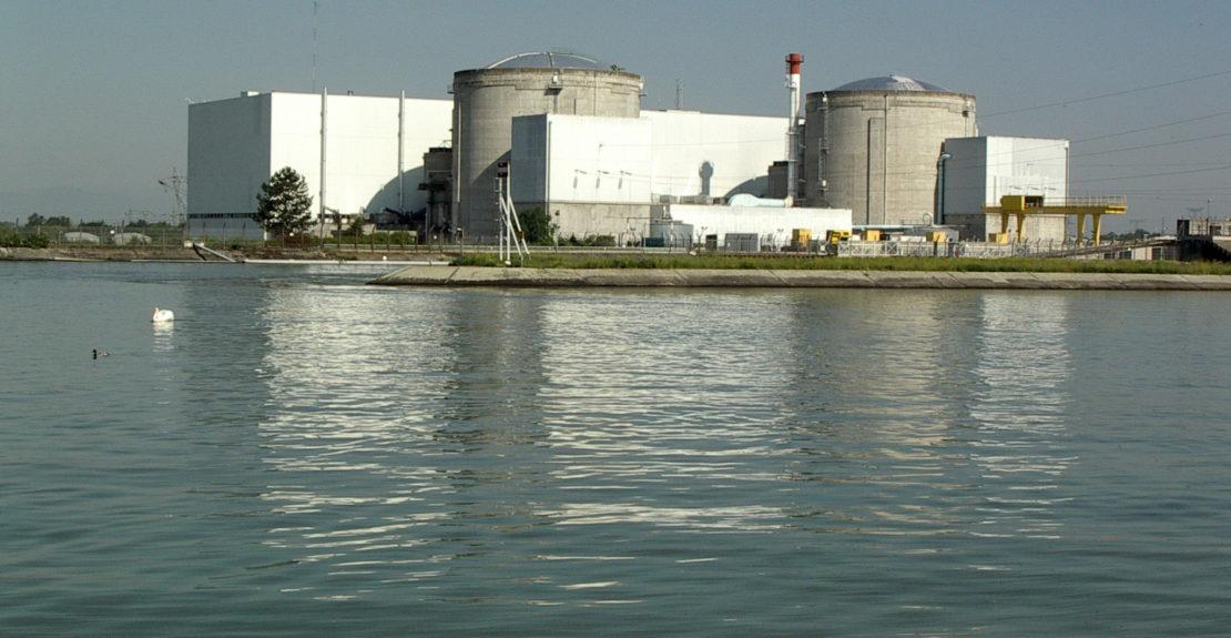 2010_06_04_Centrale_nucléaire_de_Fessenheim2[1]